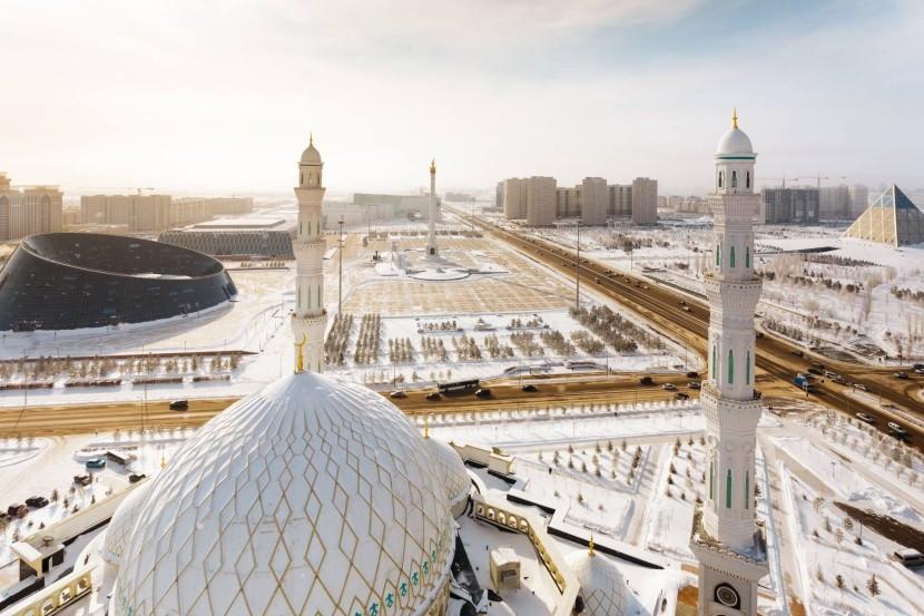 Pohled z minaretu mešity Hazrat Sultan