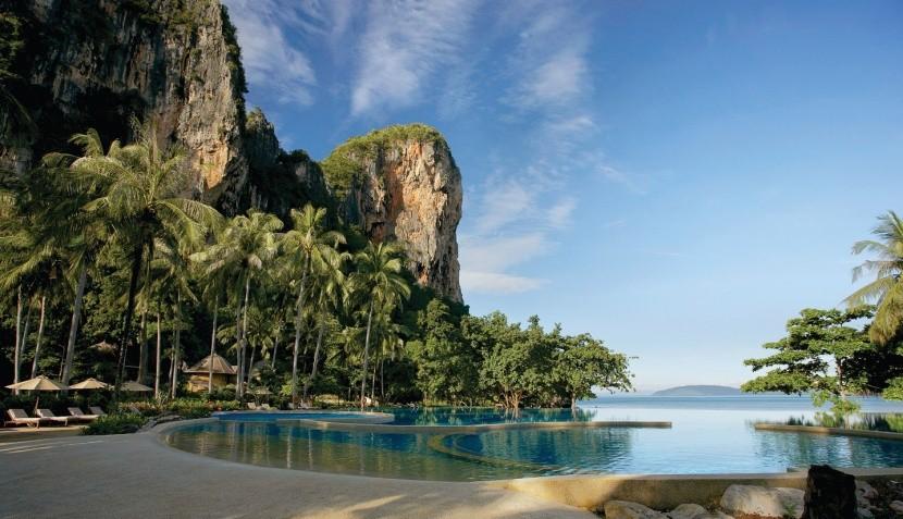 Hotel Rayavadee 5* v zálivu Phranang Bay, Tha