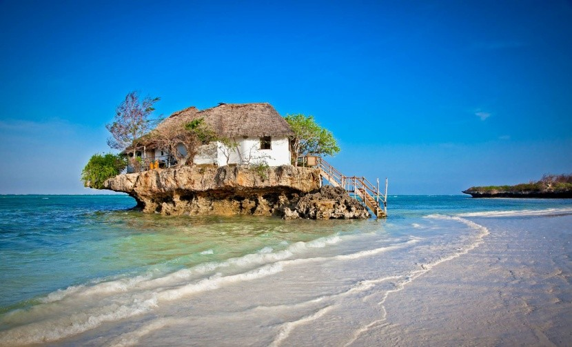 Atypická restaurace v Zanzibaru