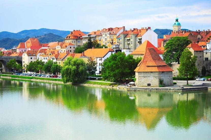 Maribori folyópart