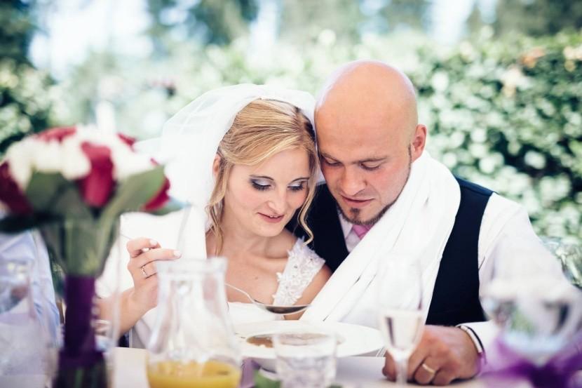 Novomanželská polievka zo spoločného taniera