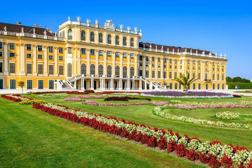 Palác a záhrady Schönbrunn