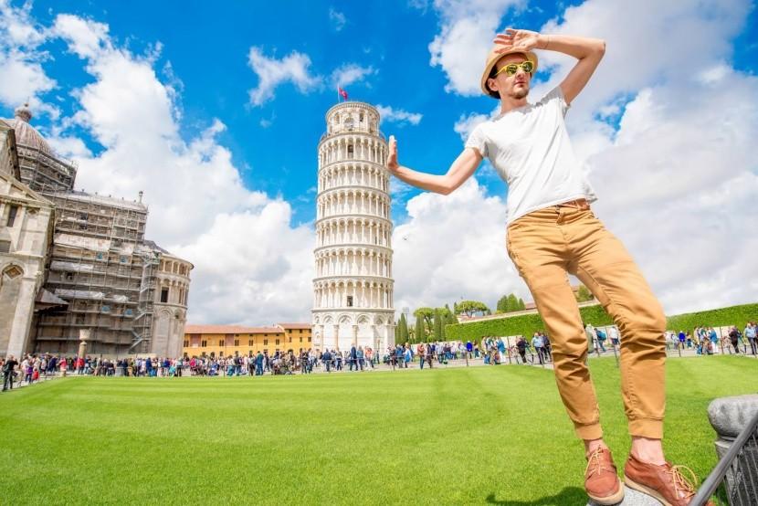A pisai ferde torony megtámasztása