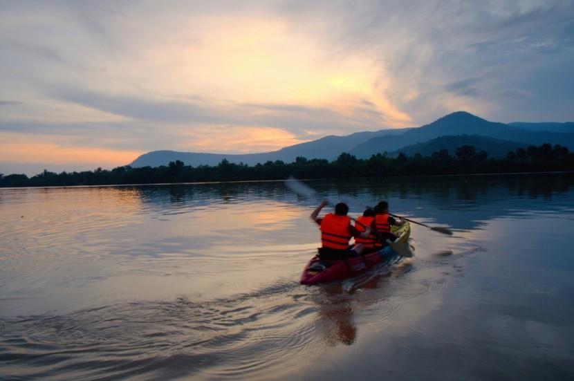 Kayaking na rieke Kampot