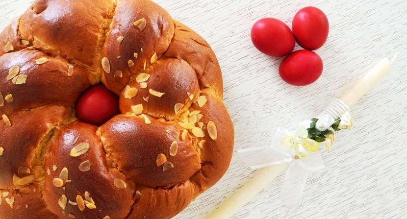 Řecký velikonoční sladký chléb