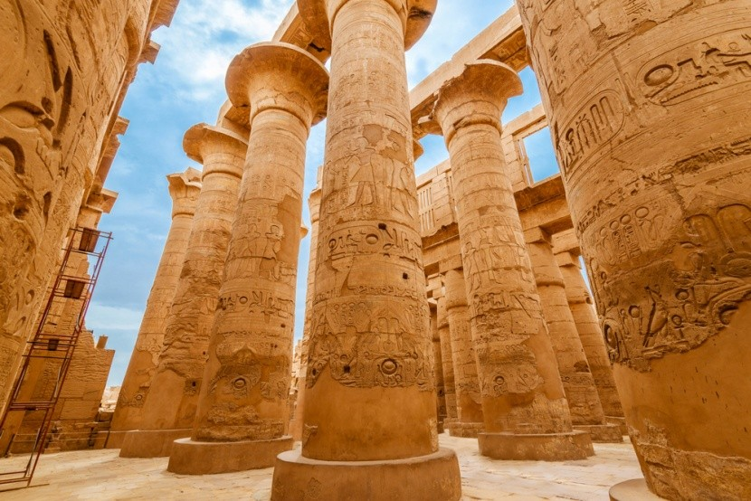 Sloupy v chrámovém komplexu Karnak