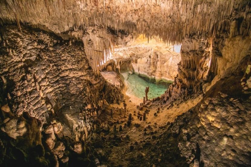 Az egyik legnagyobb föld alatti tó