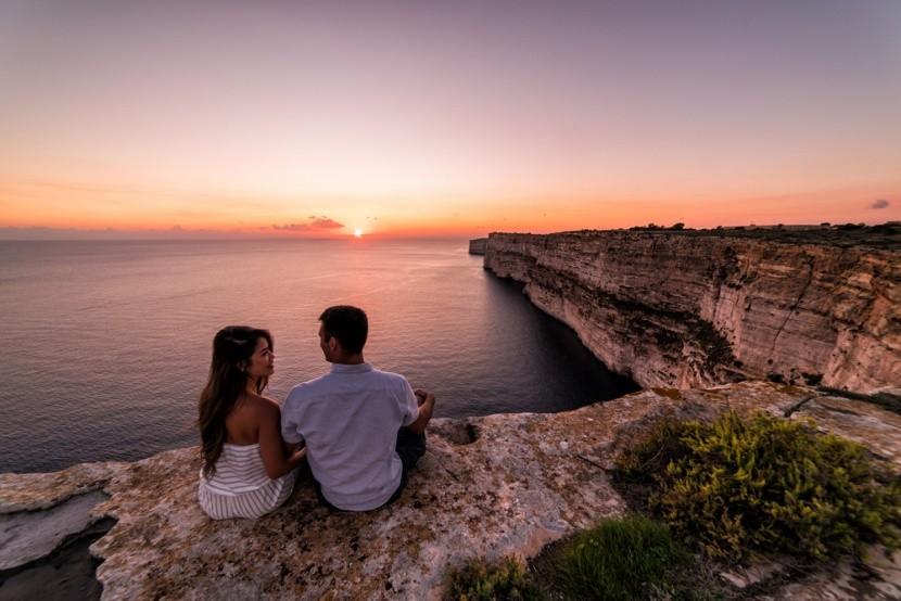 Málta, Gozo sziget, Ta Cenc szikla