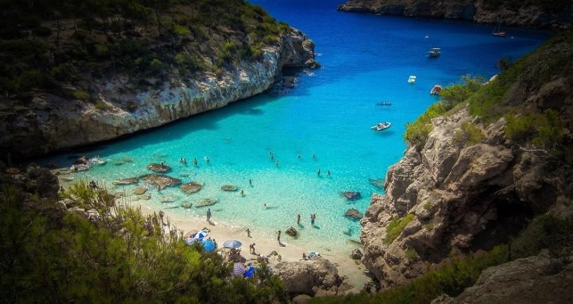 Calo Des Moro - plaża na Majorce
