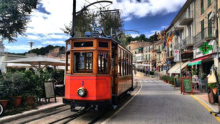 Zabytkowy tramwaj do Port de Soller