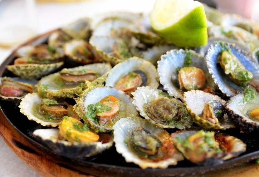 Tradiční pokrm Lapas Grelhadas