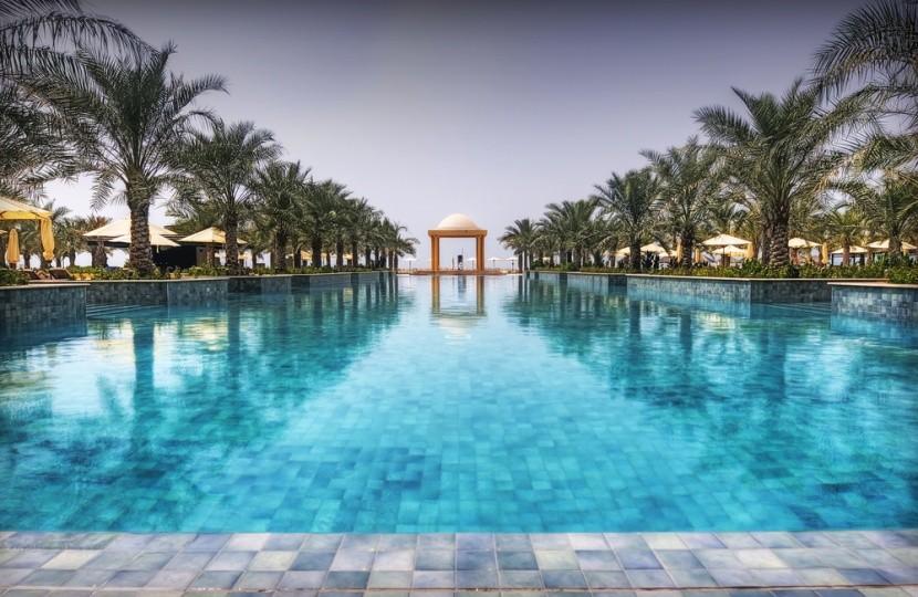 Nekonečný bazén v Ras al Khaimah