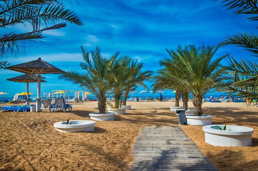Dokonalý relax na pláži v RAK