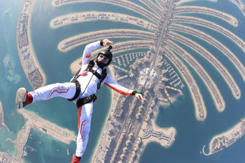 Ejtőernyőzés Dubaiban