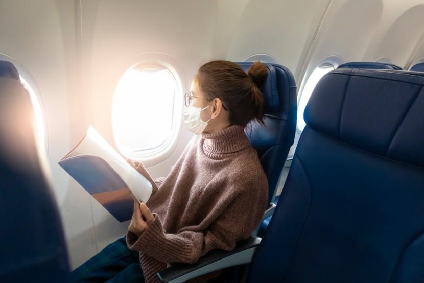 V letadle s respirátorem