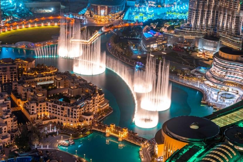 Tančící fontána v Dubaji