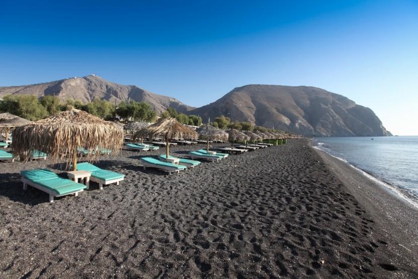 Pláž Perissa, ostrov Santorini
