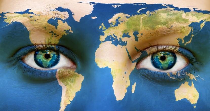Föld mintázattal festett arc